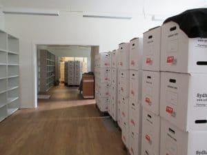 Flyttekasser fra Kirkealle 1, Rødby er ankommet til Digecentret 1 Rødbyhavn