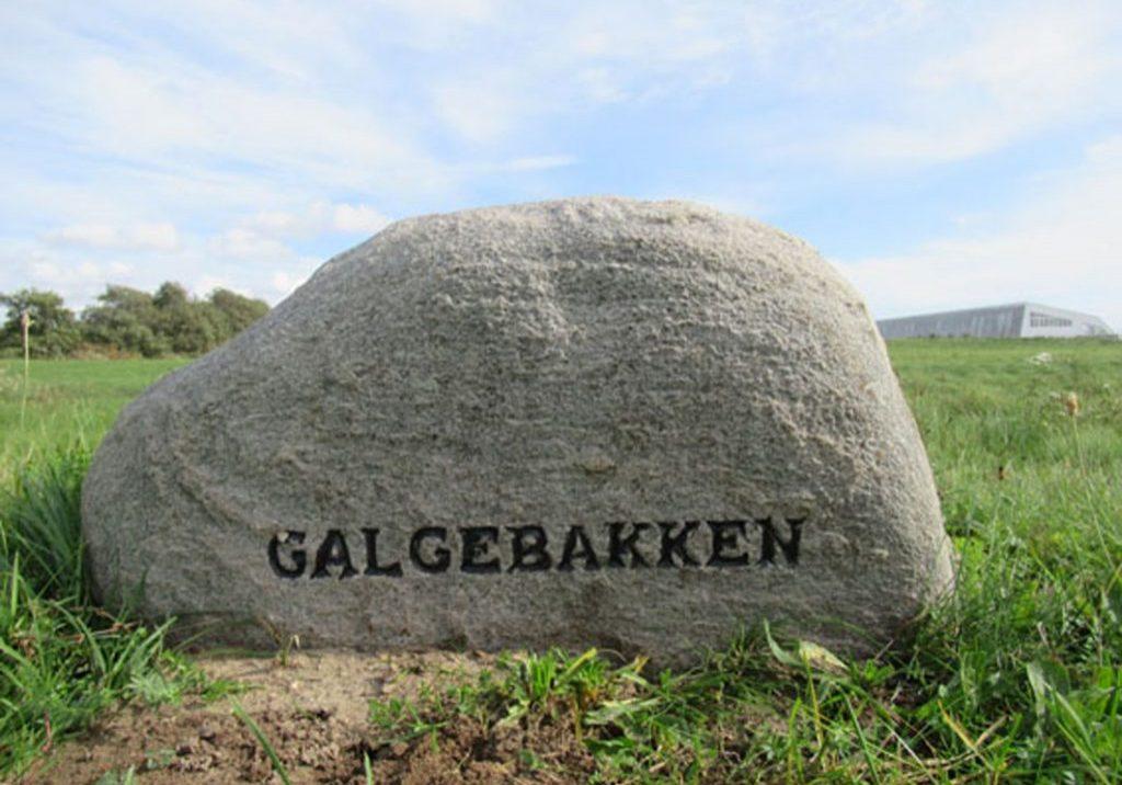 Mindesten ved Galgebakken i Holeby Sogn